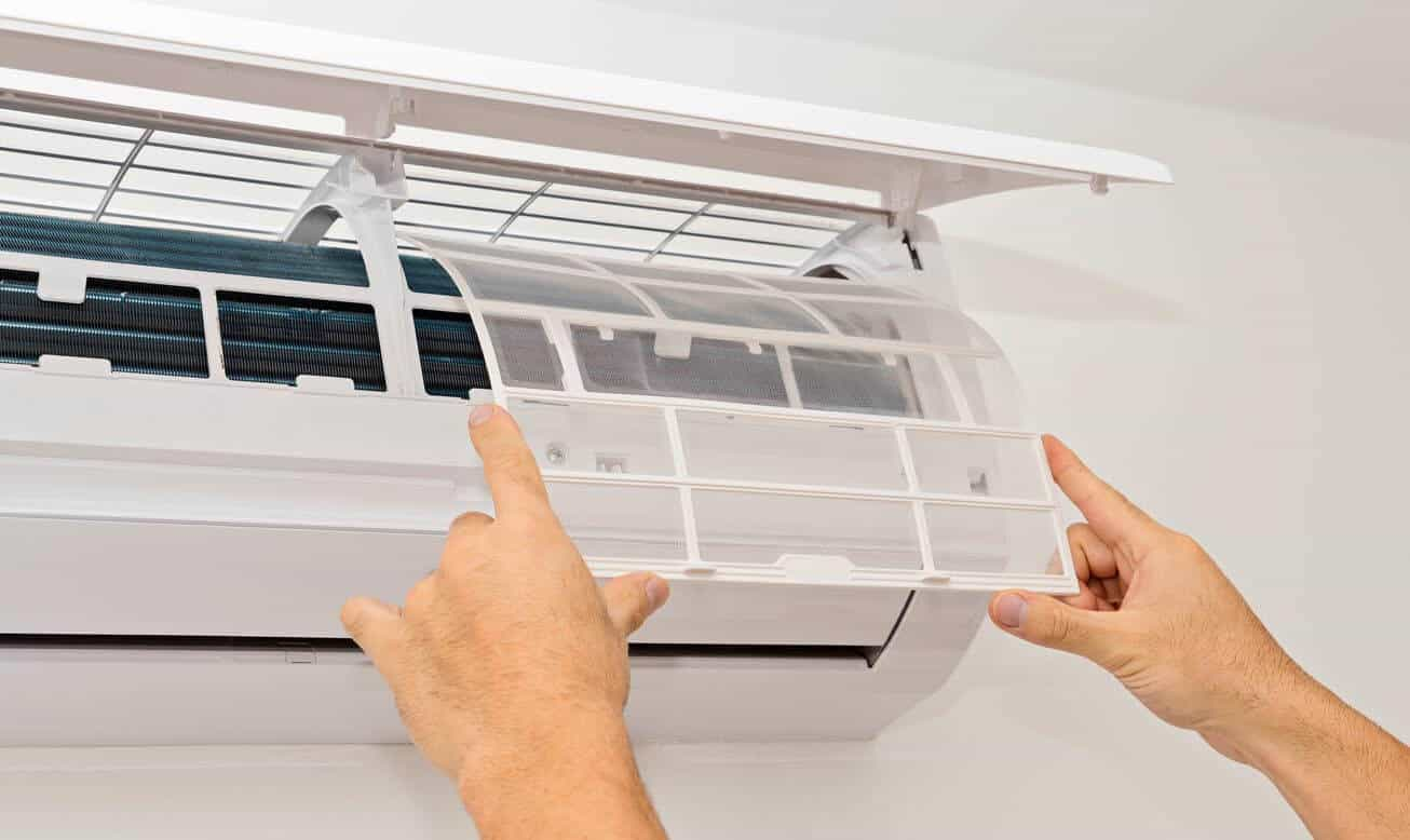 Cleaning Aircon Filters
